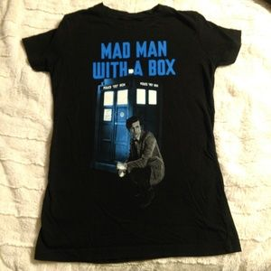 Tops - Doctor Who Mad Man With A Box
